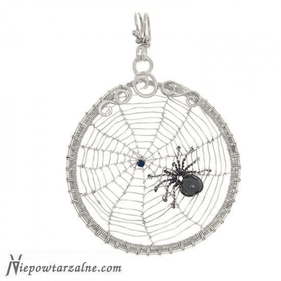 """Srebrny wisior """"Pająk w pajęczynie"""""""